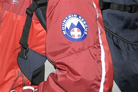 cleveland rescue mountain rescue team comes to aid of runner who collapsed in guisborough woods