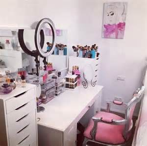 How To Apply Bedroom Makeup Makeup Vanity Image 2747382 By Marky On Favim