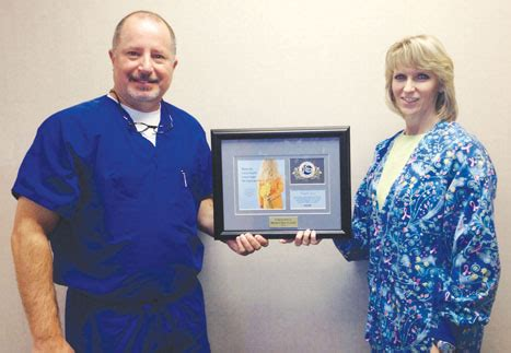 womens clinic of lincoln s clinic of lincoln pc receives recognition award