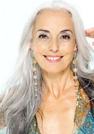 dolores forsythe this is how older ladies pull off 1000 bilder zu silver age beauty after 50 auf pinterest