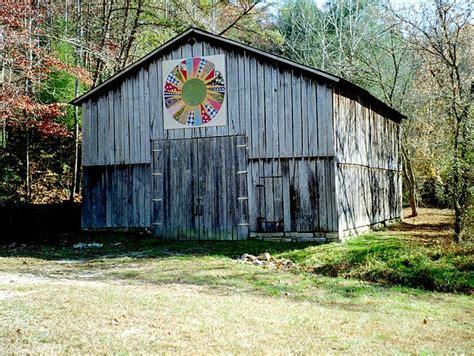 quilt pattern on barns in kentucky kentucky barn quilt nice one barns gates pinterest