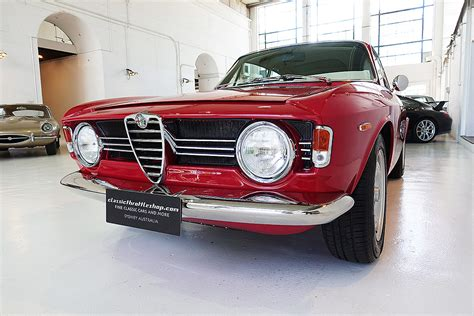 Alfa Romeo Giulia Sprint Gt by 1967 Alfa Romeo Giulia Sprint Gt Veloce Classic Throttle