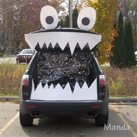 clever trunk  treat ideas tip junkie