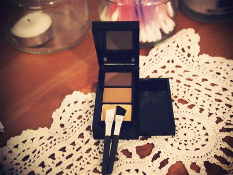 The One Eyebrow Kit make up oriflame eyebrow kit lv in with