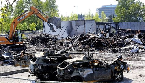 Cause of fire at Bellevue car dealership still unknown