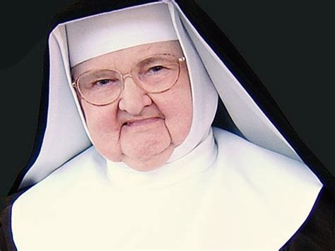 biography mother angelica extraordinary life mother angelica personified network