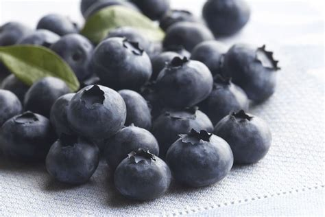 carbohydrates blueberries calories in blueberries nutrition facts and health benefits