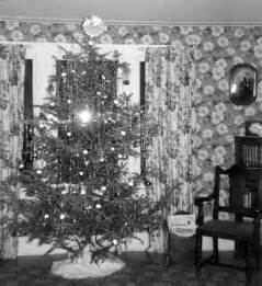 old fashioned christmas tree 1940 s style oldhouseguy blog