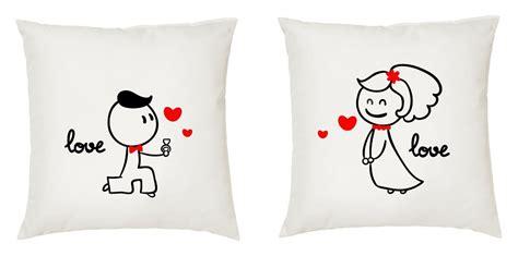 almohadas y cojines para enamorados