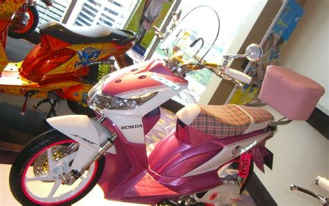 Honda Beat Metic modifikasi motor metic honda beat trans engine