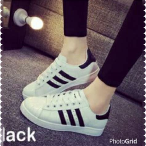 Sepatu Cantik Motif Batik Hitam Putih sandal teplek flat wanita cantik model terbaru murah