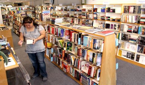 silverfish books bau kertas jadi pendorong industri buku terus hidup