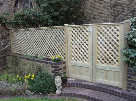 Fencing And Trellis Suppliers Fence And Fencing Supplies From Elmwood Fencing