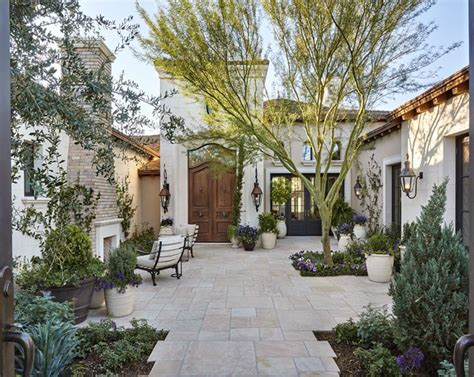 courtyard homes best 25 courtyard entry ideas on tuscan house