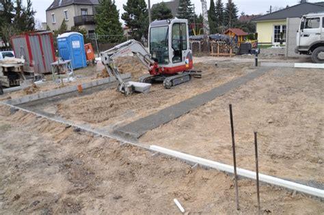 fundament für haus ohne keller bodenplatte vorbereitung fundament und anschl 252 sse