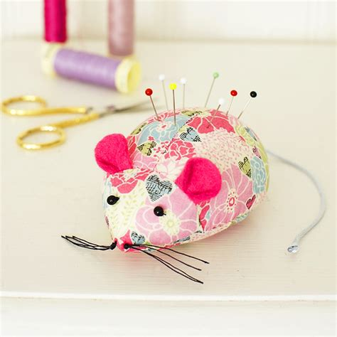 crafts sewing turn leftover fabric into a mouse pincushion