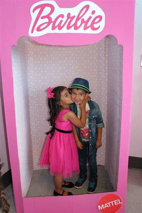 Barbie Photo Booth Layout | barbie photo booth from a fridge box kids cardboard