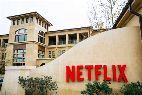 Netflix Office by Netflix Stock Hits Record As Wall St Sees World