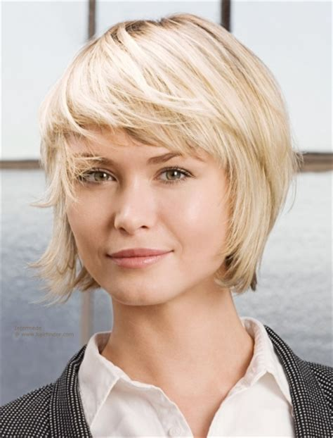 chin length blonde haircuts unique chin length layered bob short hairstyles cuts