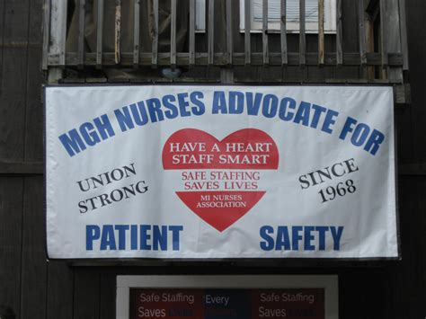 uphs it help desk marquette nurses say uphs needs to ensure better patient