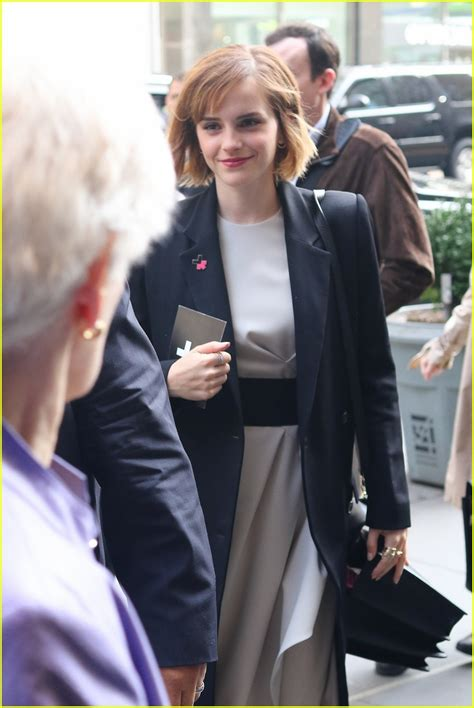 emma watson just jared emma watson praises films that challenge rigid