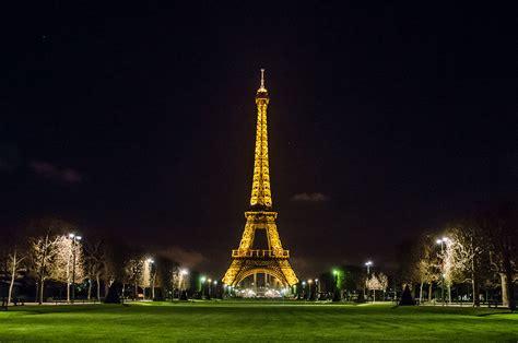fileeiffel tower  night paris  april jpg