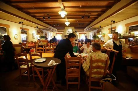 olive garden 63123 more restaurants join lunch bandwagon tribunedigital orlandosentinel