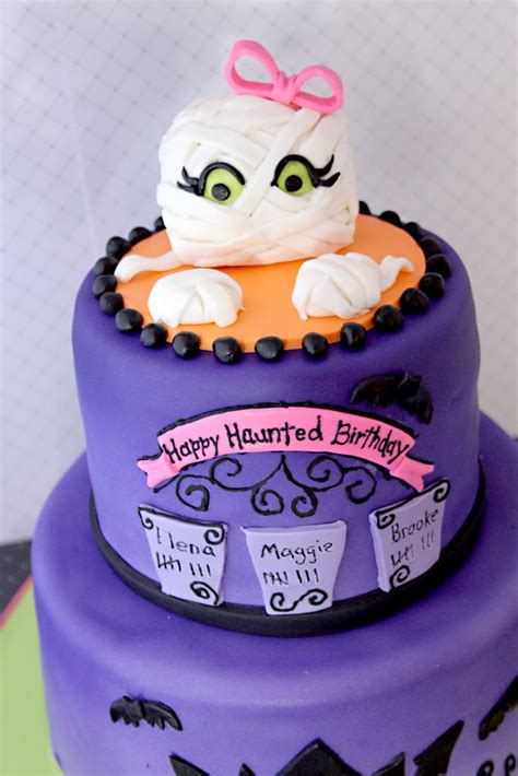 halloween themed cakes 1000 images about elena bday on pinterest halloween