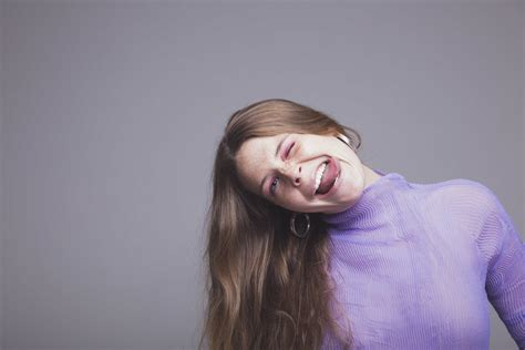 maggie rogers years news maggie rogers to announce with split stones celebria atrl