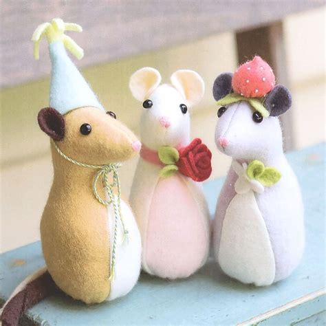 pattern for felt rat pickle mouse sewing craft pattern soft toy felt doll