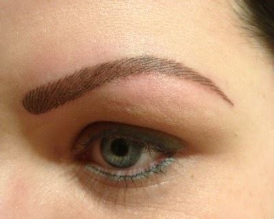 eyebrow tattoo in leeds luv these tattoo eyebrows also has a two tone eyeliner