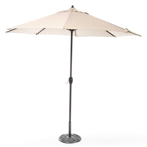 Patio Umbrella On Sale 1000 Ideas About Patio Umbrellas On Sale On Pinterest Commercial Umbrellas Large Patio