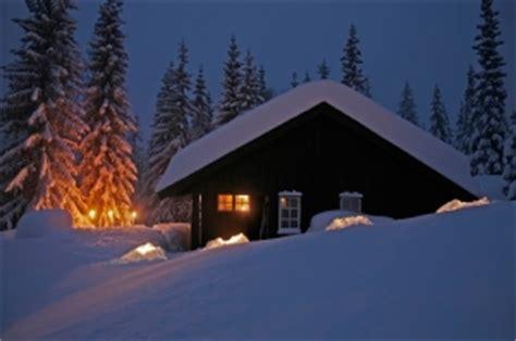 holzhütte im schnee mieten verschneite ferien in deutschen landen die besten