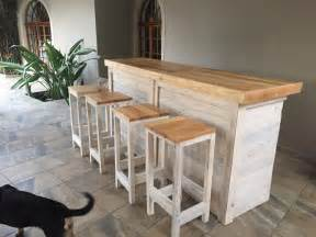 How To Make A Bar Counter Pallets Ideas Designs Diy Bar Counter With Stools From