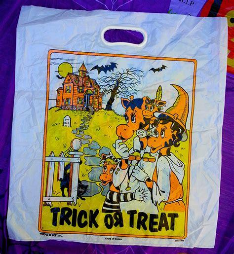 Geofroy Bag vintage treat sacks dinosaur dracula