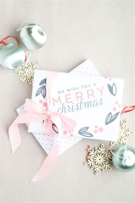 download wrapping presents slucasdesigns com free printable christmas gift wrap diycandy com