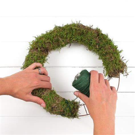 how to make wreath how to make a traditional wreath