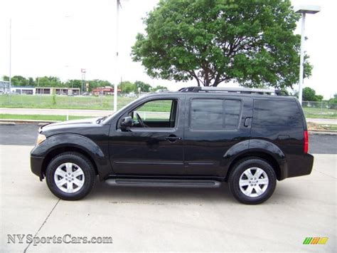 black nissan pathfinder 2006 nissan pathfinder s in super black 633054