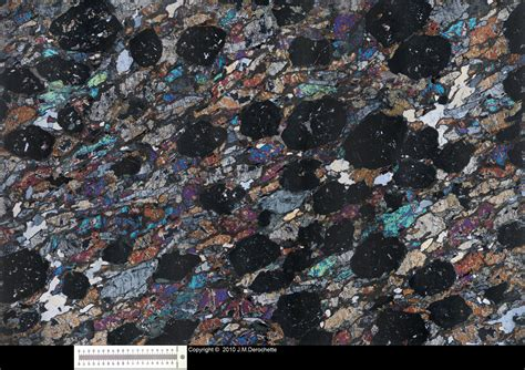 garnet in thin section eclogite thin section