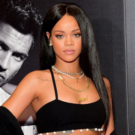 it s official rihanna has returned to instagram cambio