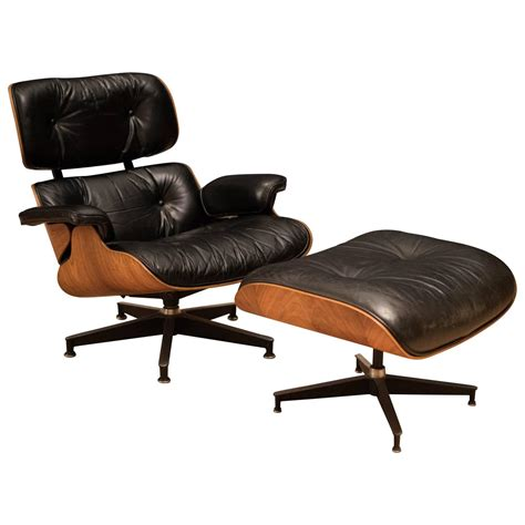 Vintage Eames Chair And Ottoman Vintage Charles And Eames Rosewood 670 Lounge Chair And 671 Ottoman For Sale At 1stdibs