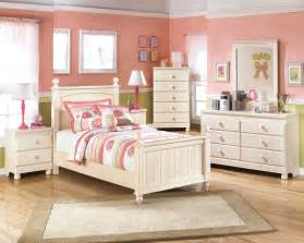 Youth Bedroom Furniture Furniture Cottage Retreat Poster Youth Bedroom Set B213