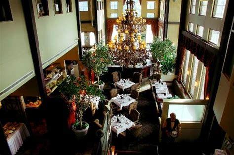 Dining Room Attendant Edmonton 10 Restaurants Near Sawridge Inn And Conference Centre