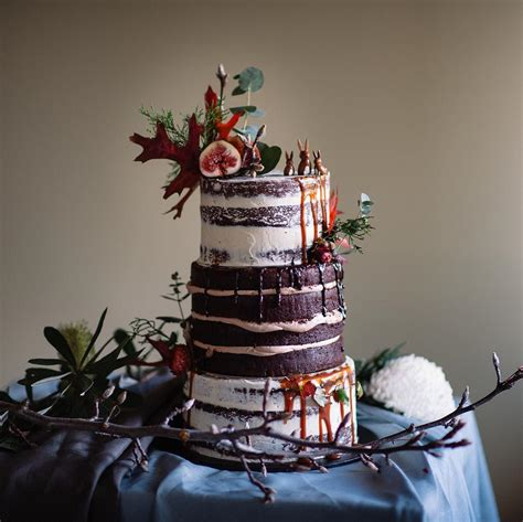 wedding cake trends   cakes favours guest books