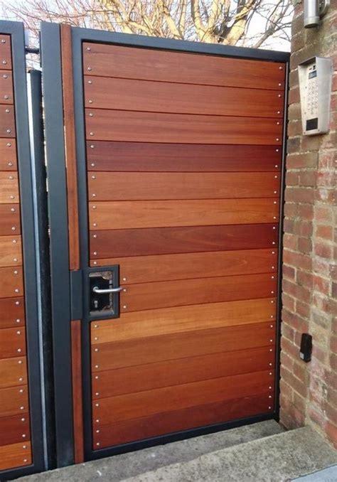 hardwood gates  west sussex house fence design house