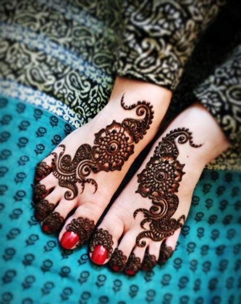 foot mehandi designs or henna designs for feet with pictures