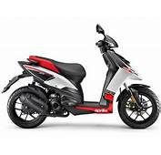 2012 Scooter Pictures Aprilia SR Motard 125 Insurance Information