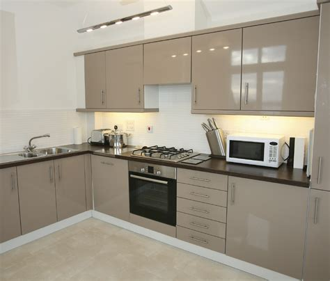 Kitchen Cabinets In Gorgeous Gloss 3dl Jb Cutting