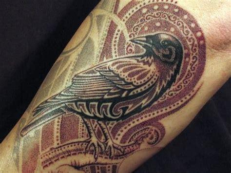 striking raven tattoo designs amazing tattoo ideas