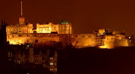nights scotland 20050402 8040 edinburgh castle at